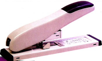 STAPLER HEAVY DUTY 100 SHT CAPACITY